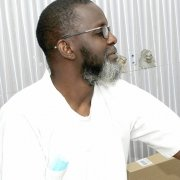 Prof. Abdoulaye Diouf (L'École Dentaire Internationale) - GroFin Senegal Client